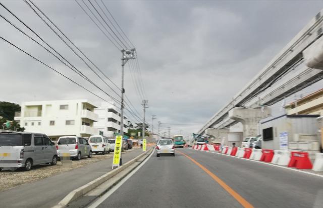 浦添前田駅の線路